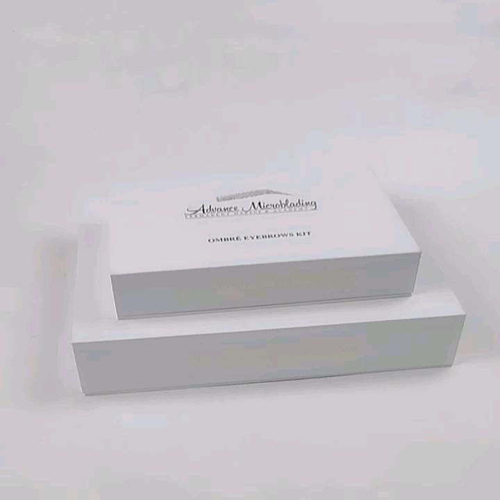 ホワイトラグジュアリー磁気紙梱包箱化粧品と香水包装