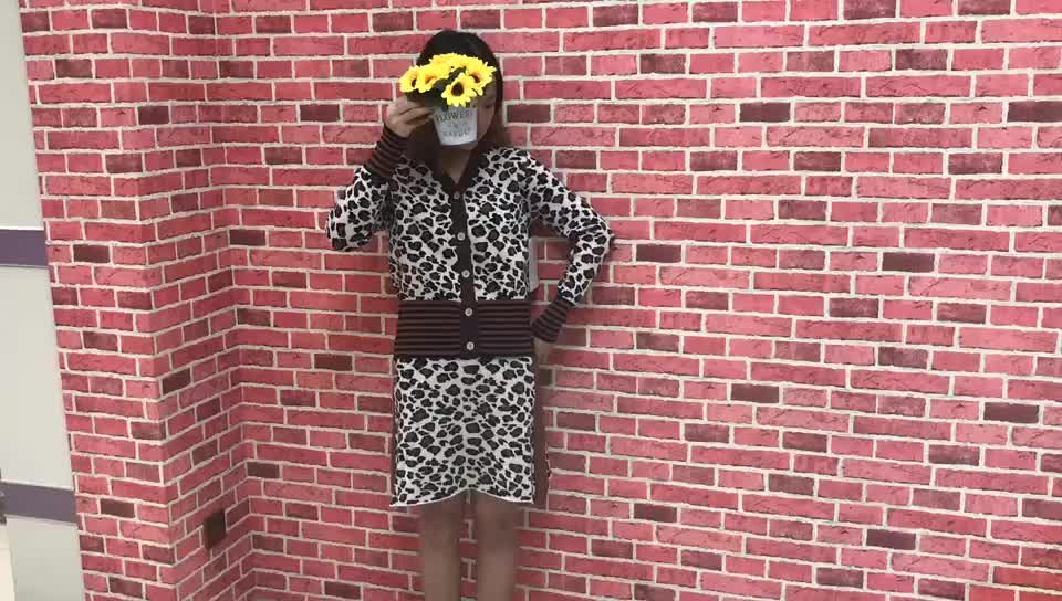 2019 hot sale long sleeves & skirt suit with leopard pattern V neck