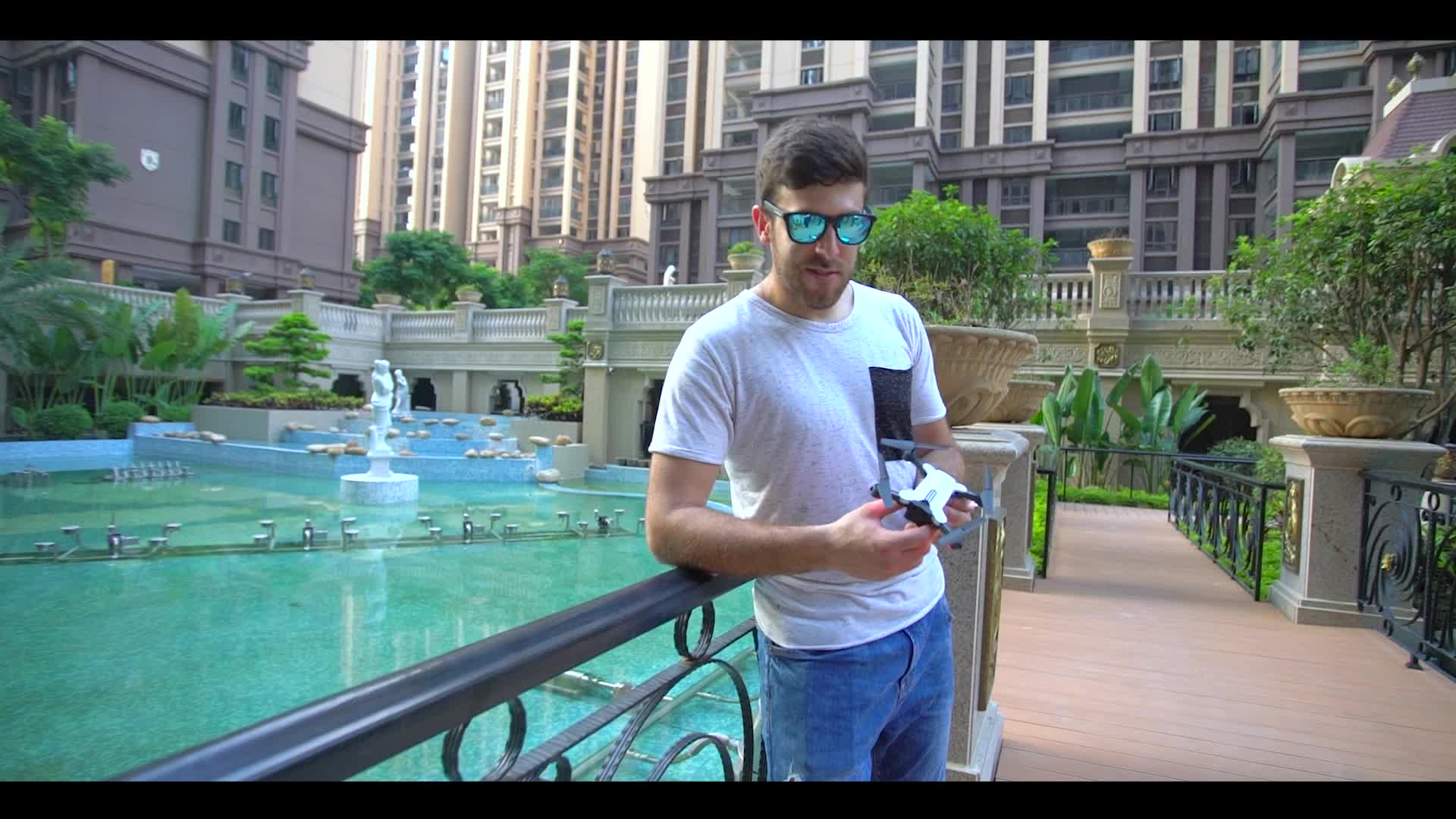 2018 Hot Sales Drone with camera gesture recognition  Selfie Folded Long flight Time hd quadcopter