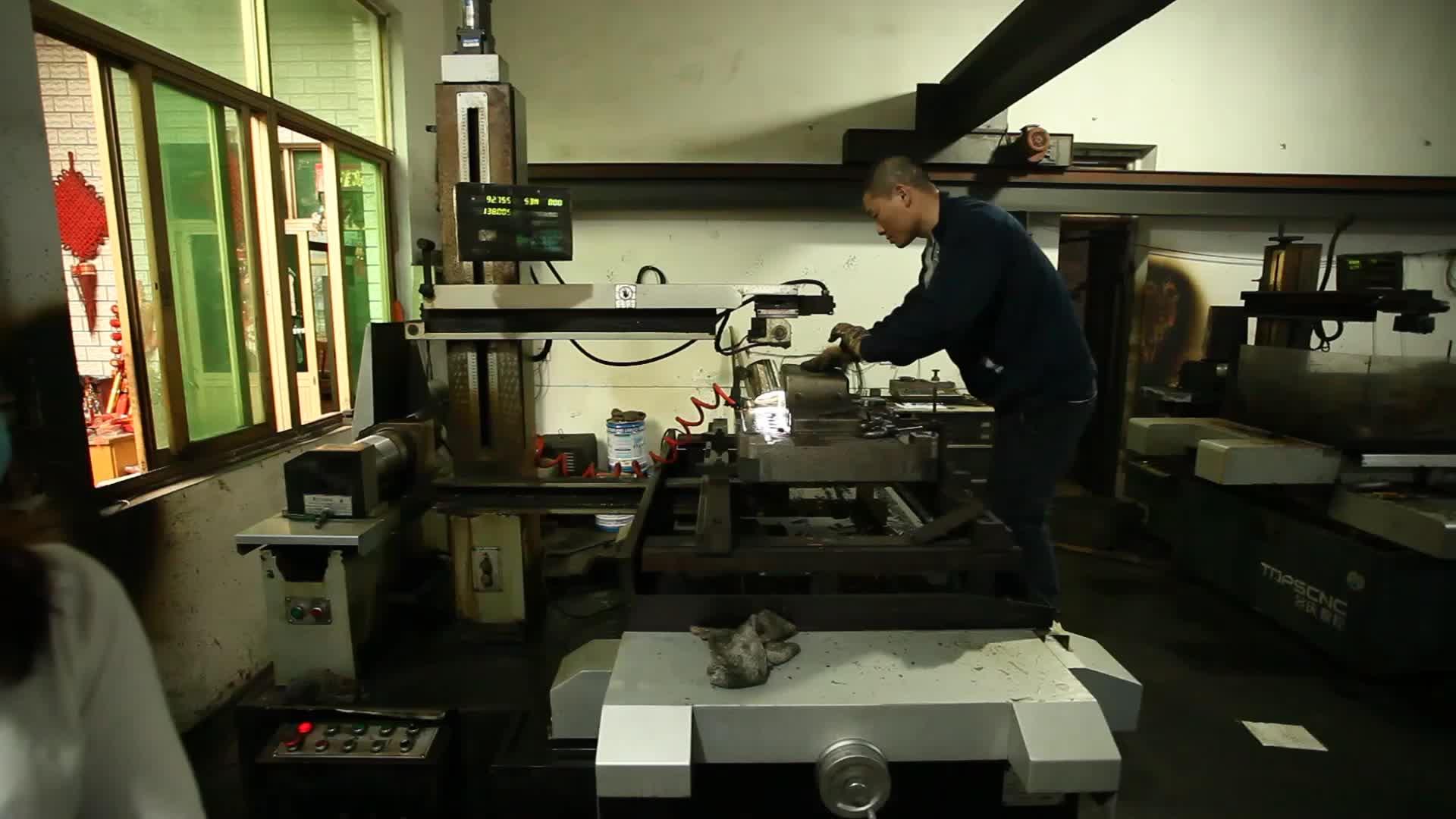 ทองแดง CNC เครื่องจักรกลที่กำหนดเองคุณภาพสูงราคาถูกทองเหลืองความแม่นยำชิ้นส่วนทองเหลือง CNC Mechanical FOB อ้างอิงราคา: แถม L
