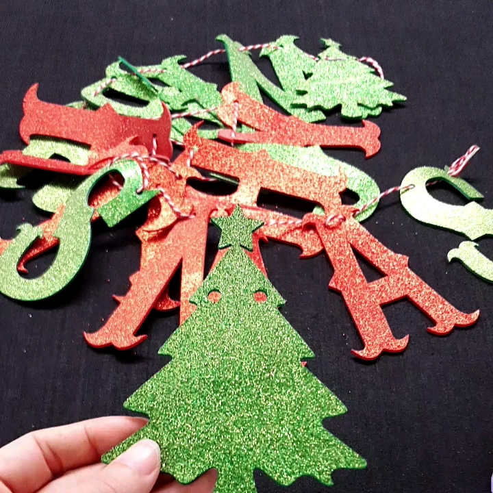 China Suppliers Die Cut Adhesive Glitter Sticker Paper for Party