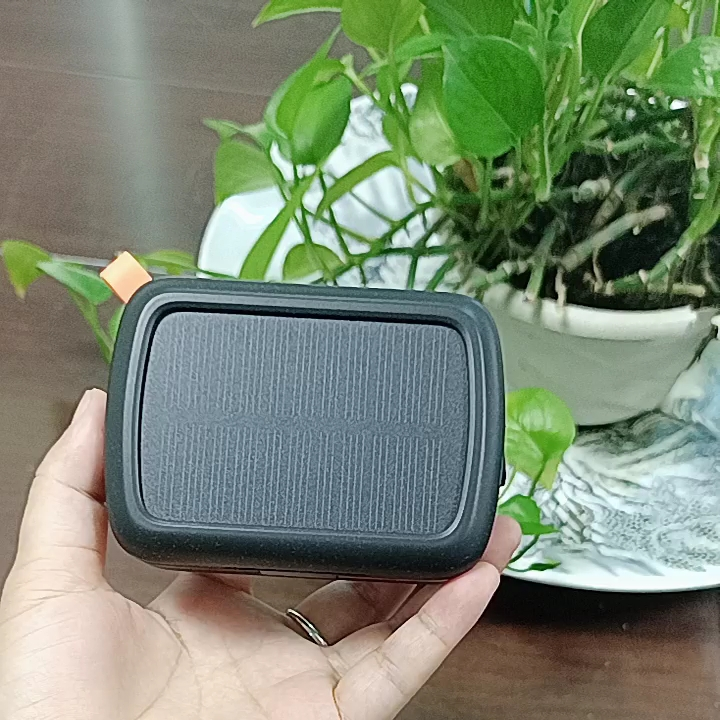 Stereo Sound Blue tooth BT wireless 5.0 TWS Waterproof Wireless Earphone with Solar Charger Box