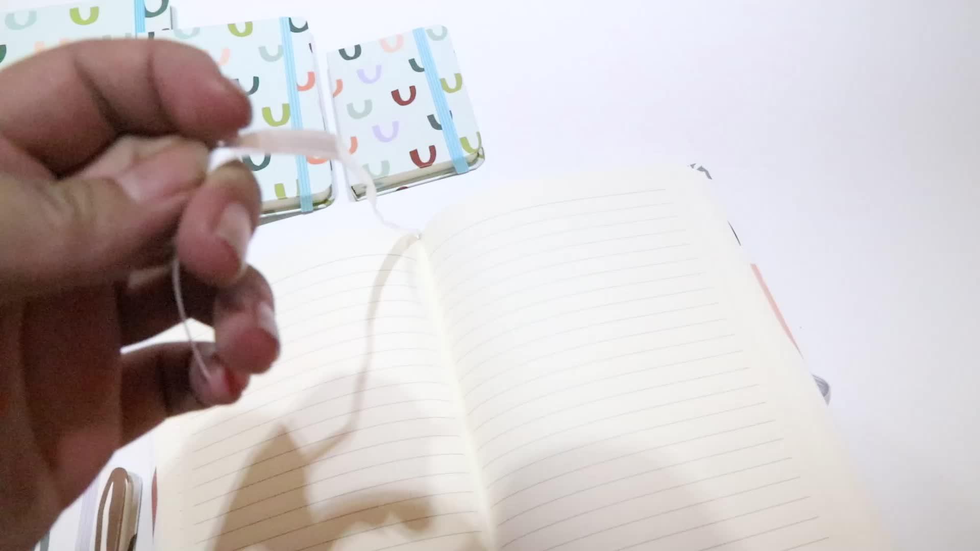 2019 Baru Desain Notebook Printing A5 Hardcover Notebook dengan Tali Elastis