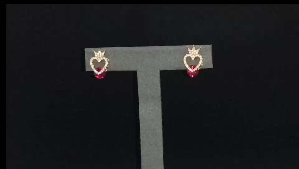 Three Claw Setting Crown Heart Shape Stud Earrings 14K Rose Gold With 1.50 Carat Red Diamond