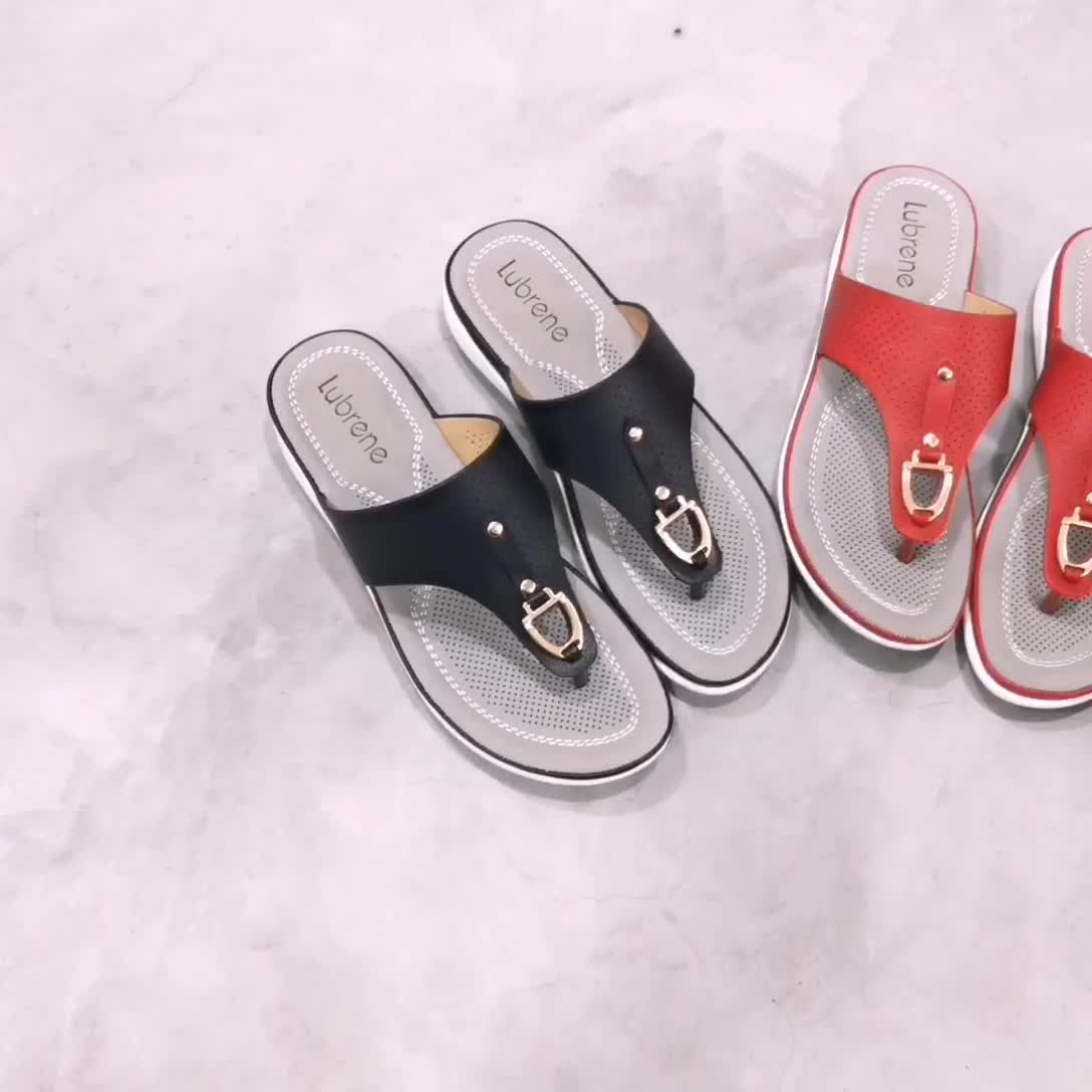 2019PU fabric features comfortable, breathable and casual sandals with double color and double bottom