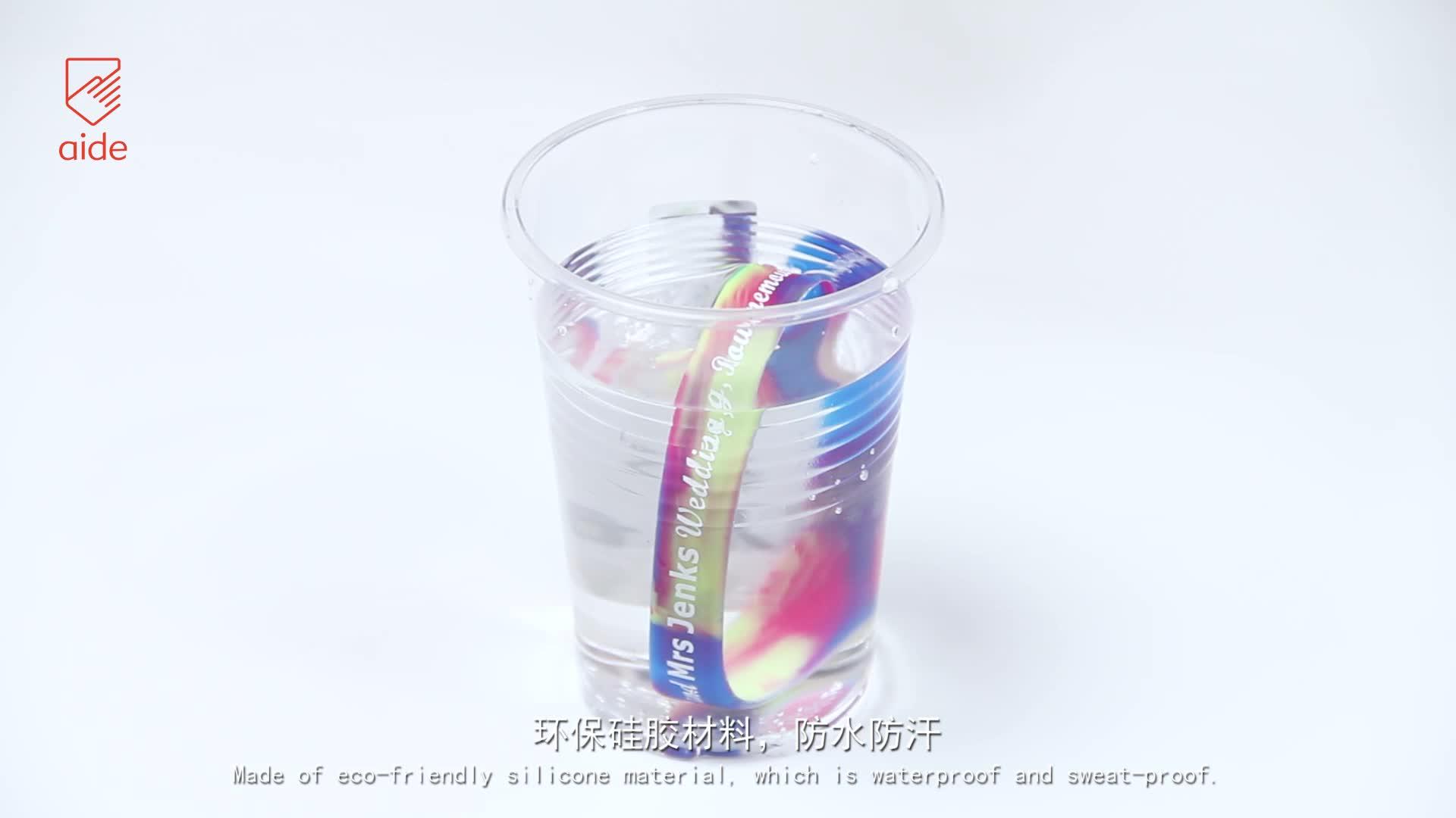 Pulseira redonda de silicone de borracha promocional barata personalizada para caridade europa debossed
