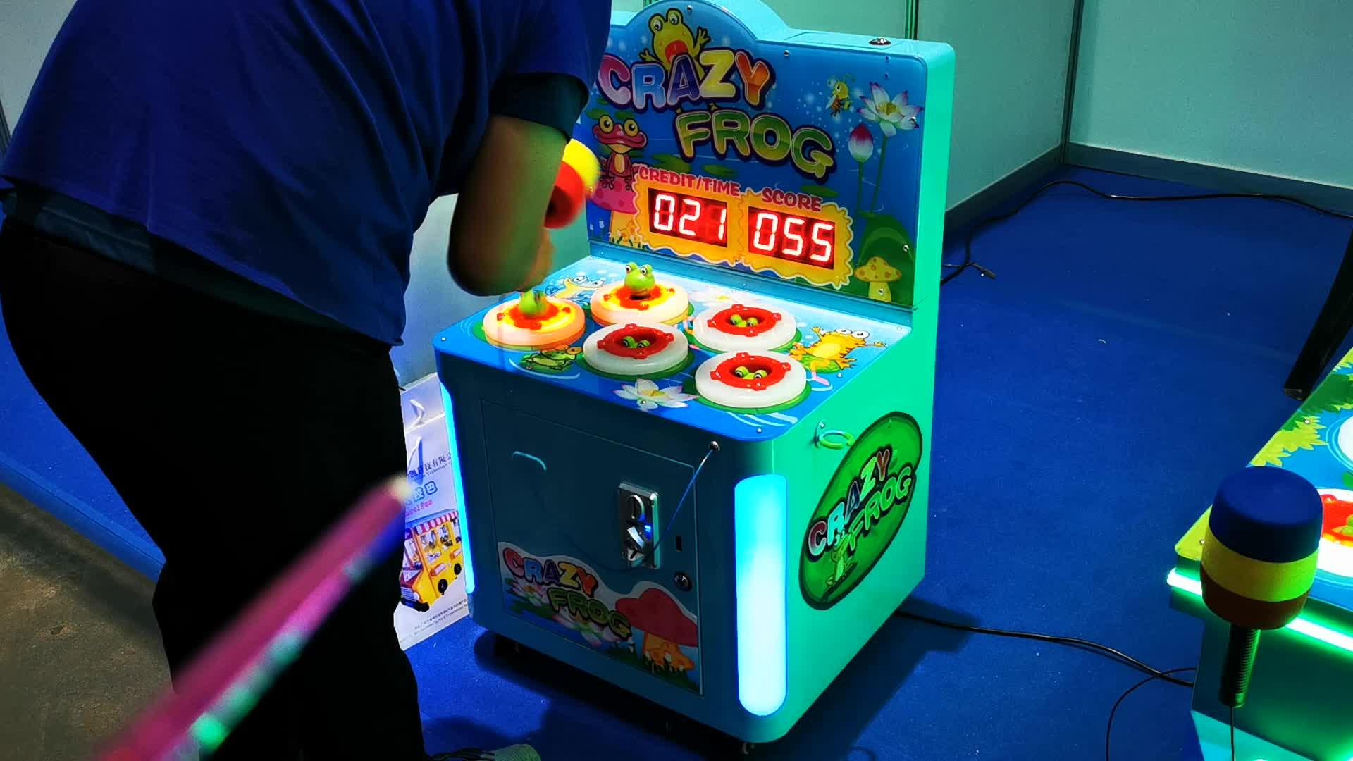 मेंढक कूद आर्केड टिकट मोचन मारा हथौड़ा खेल मशीन बच्चों के लिए