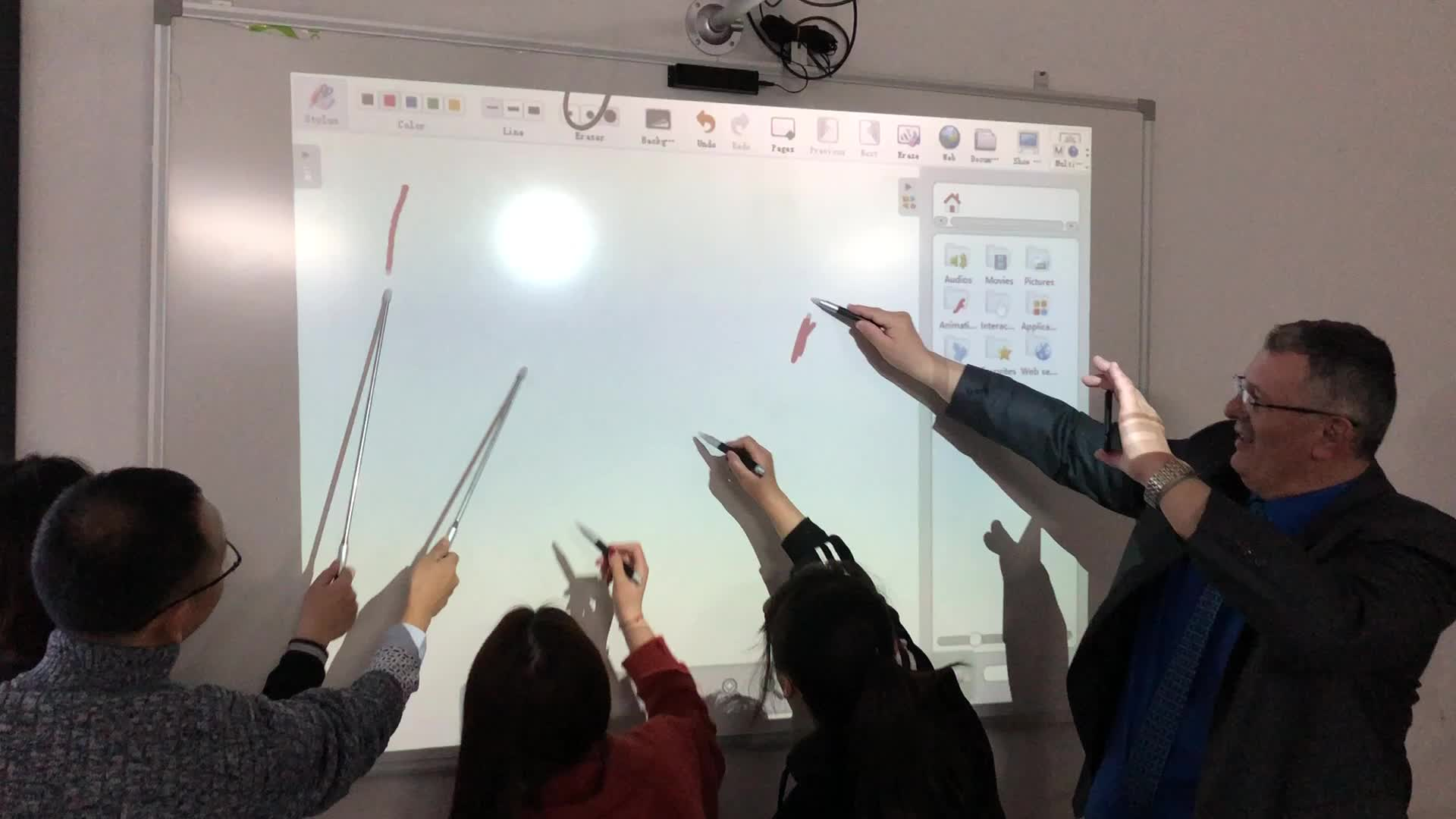 Interactive Electronic Whiteboard Price With IR Pen For Business And Education