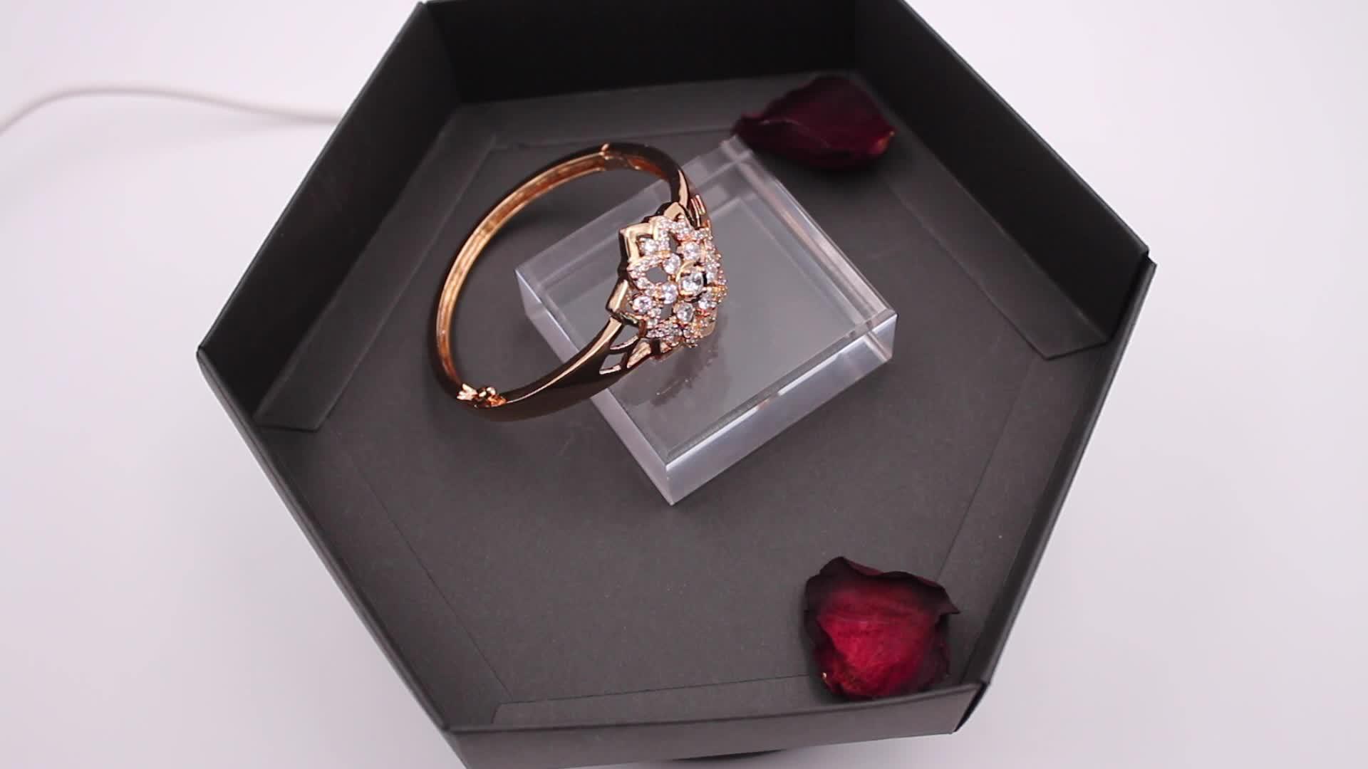 Guangzhou ESUNNY Fancy Flower Shape Latest Design Plated Saudi Gold Bangle Bracelet Jewelry  For Women