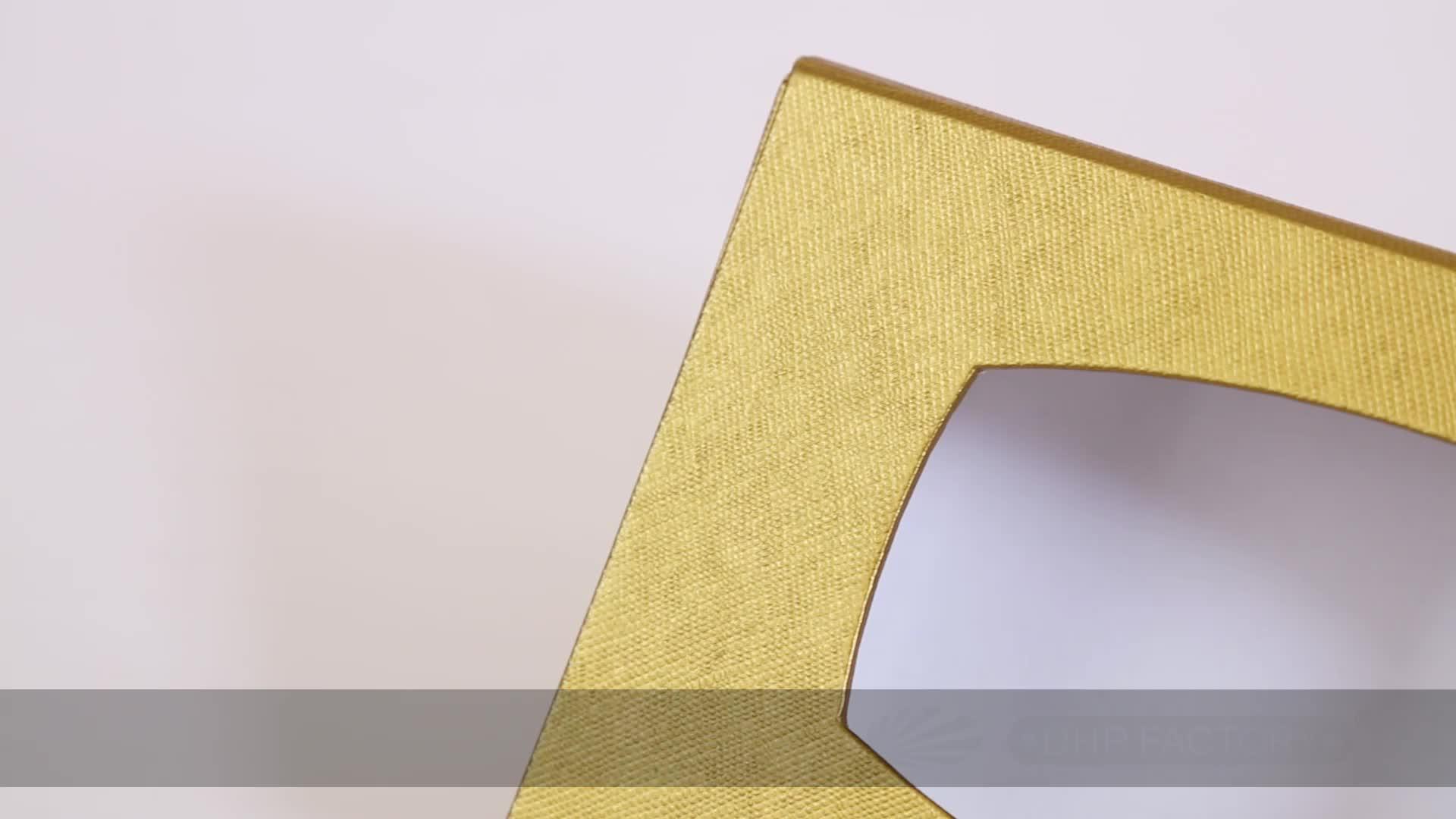 リサイクル紙ダンボールカスタムロゴのギフト包装折りたたみフラットパック剛性ボックス磁気閉鎖
