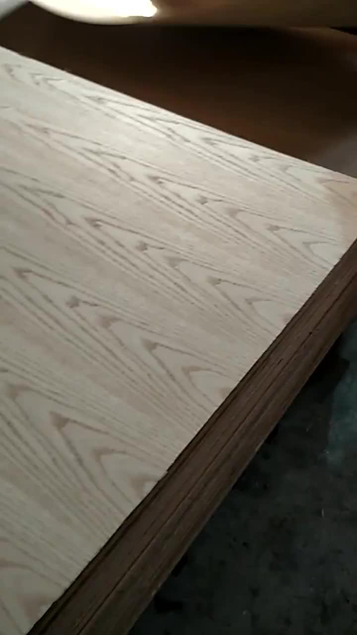 Hot البيع 3 مللي متر 4 مللي متر الزخرفية الطبيعية الماهوجني البلوط خشب الساج القشرة يتوهم الخشب الرقائقي