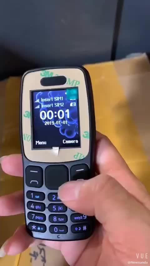 هاتف محمول أسود 1.77 بوصة بشريحة مزدوجة 106 هاتف محمول بكاميرا وكشاف يدوي