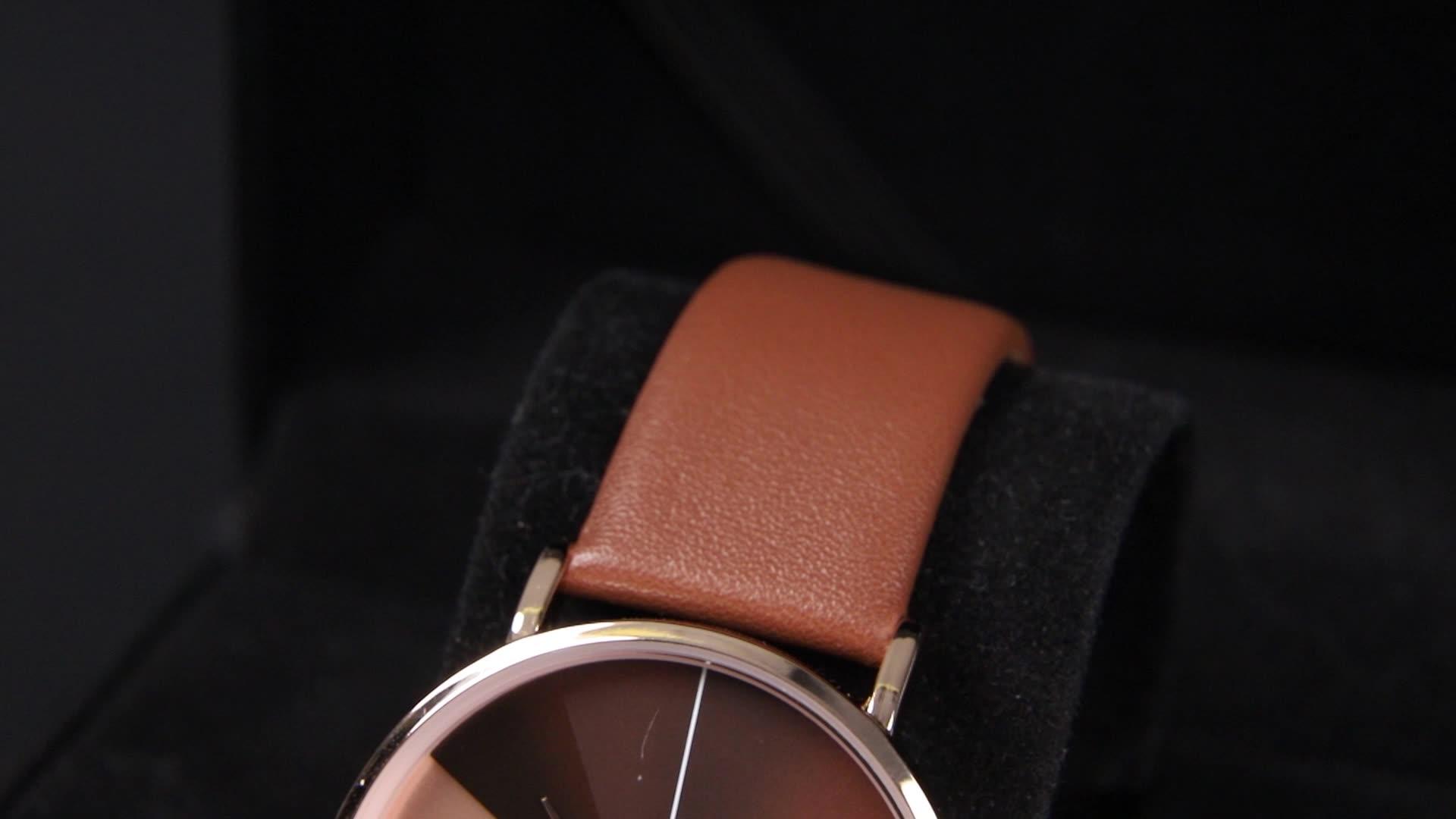 ساعات اليد النسائية من SHENGKE ساعة معصم كلاسيكية من الجلد غير منتظمة الشكل