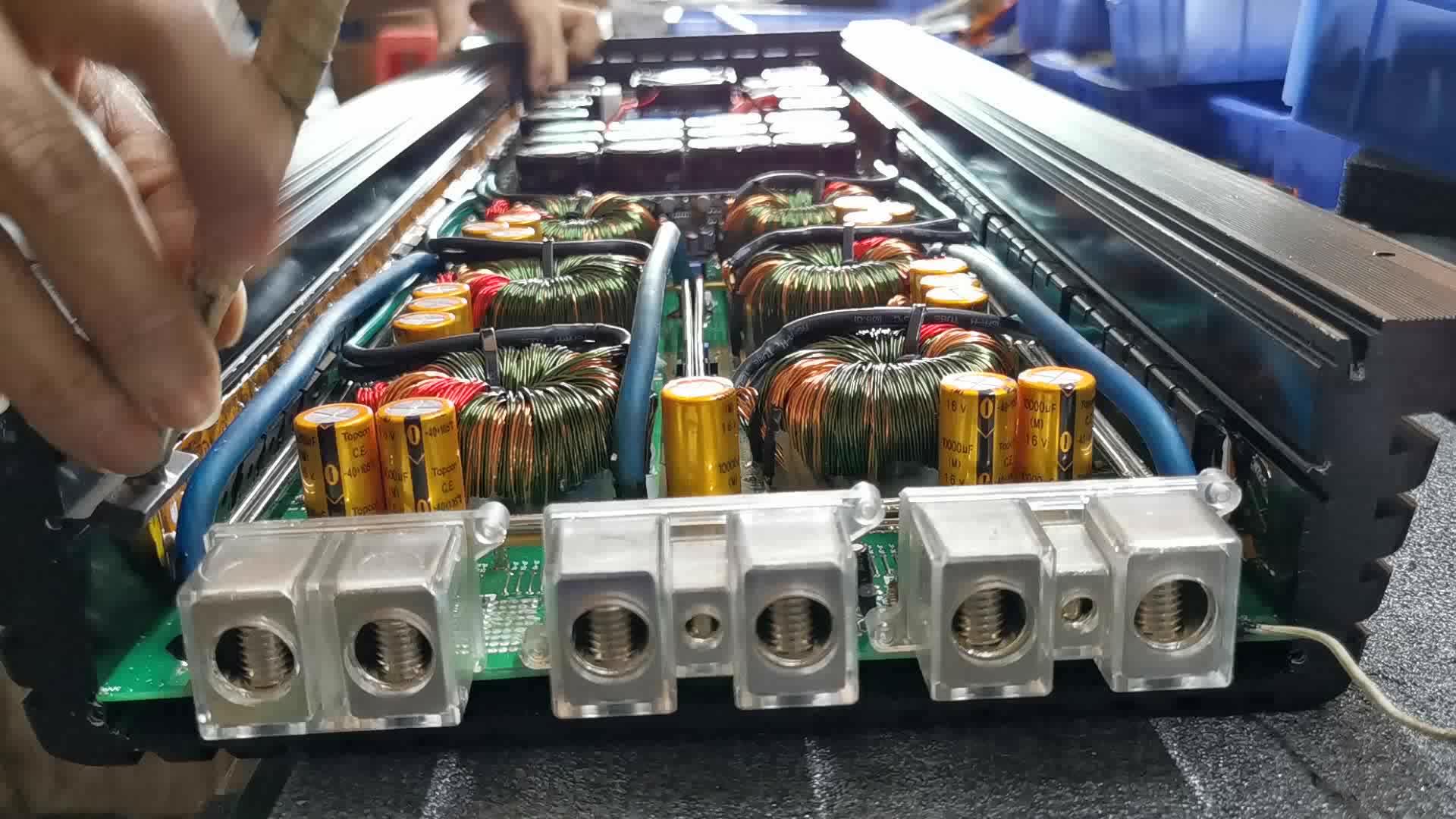 पेशेवर कार ऑडियो एम्पलीफायर 5500W प्रतियोगिता उच्च शक्ति कारों एम्पलीफायर मोनो ब्लॉक कक्षा डी