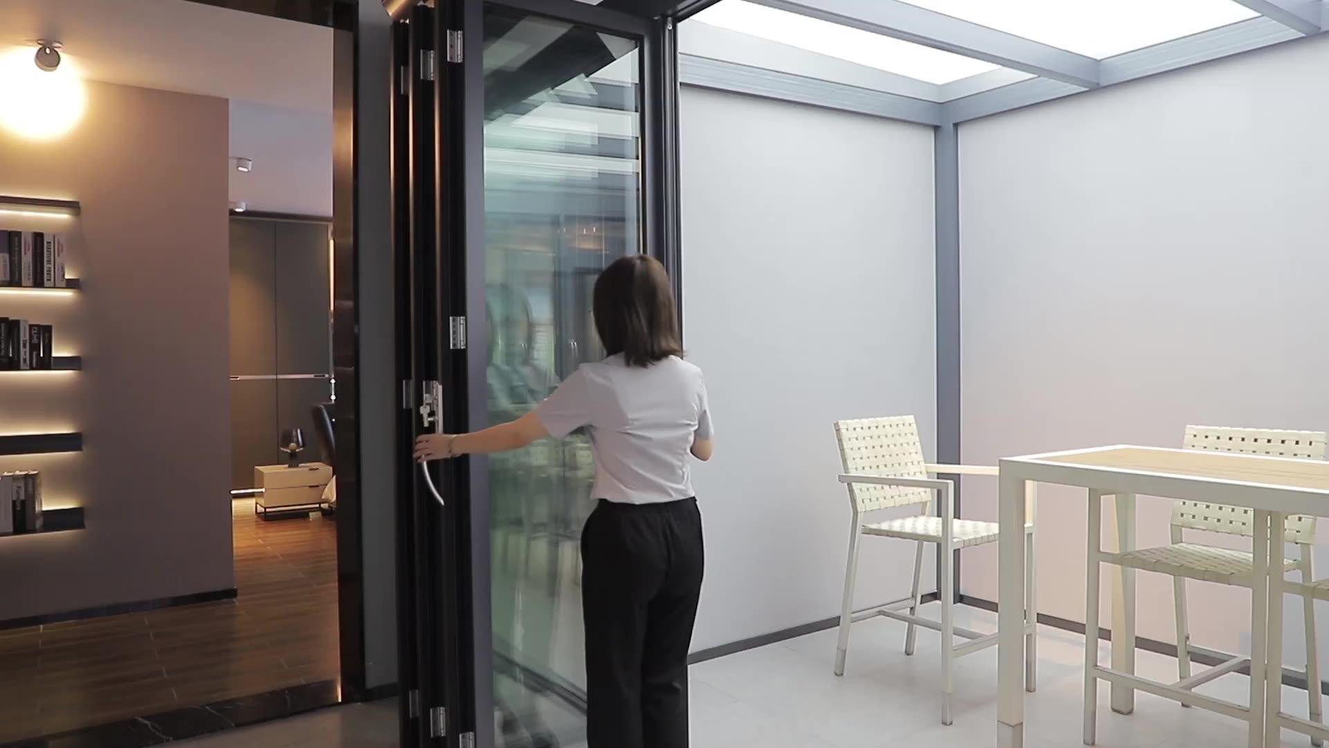 ประตูพับสองบานขนาดใหญ่,มุมสวิงกระจกฉนวนกันความร้อนกระจกสองชั้นลานด้านนอกประตูสองชั้น