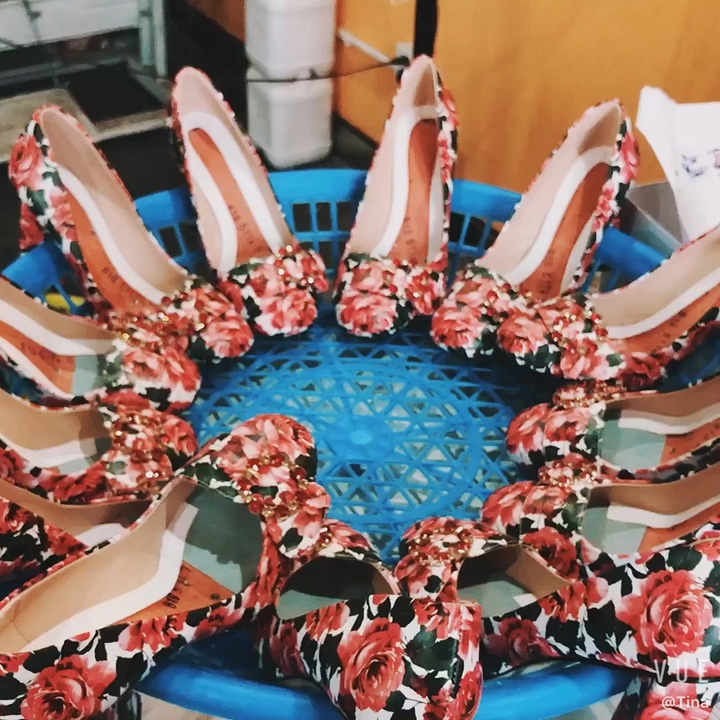 Chunky heels บิ๊กขนาดรองเท้าผู้หญิงขายส่ง PU รองเท้าส้นสูงรองเท้า