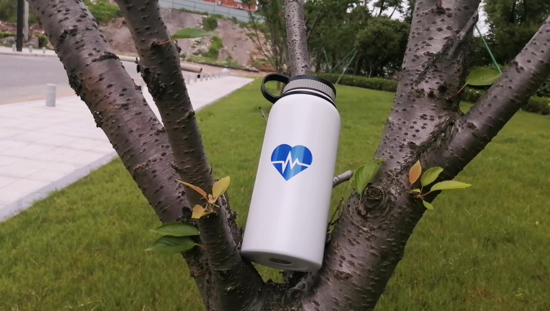 FDA Approved Flask Fashionable Stainless Steel Water Bottle Thermos Bottle With Strap