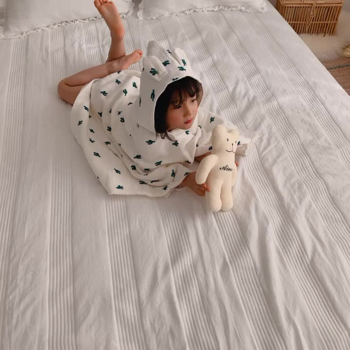 Plain solid Color 100% Cotton Baby bathrobe/kids animal bathrobe/kids bathrobe