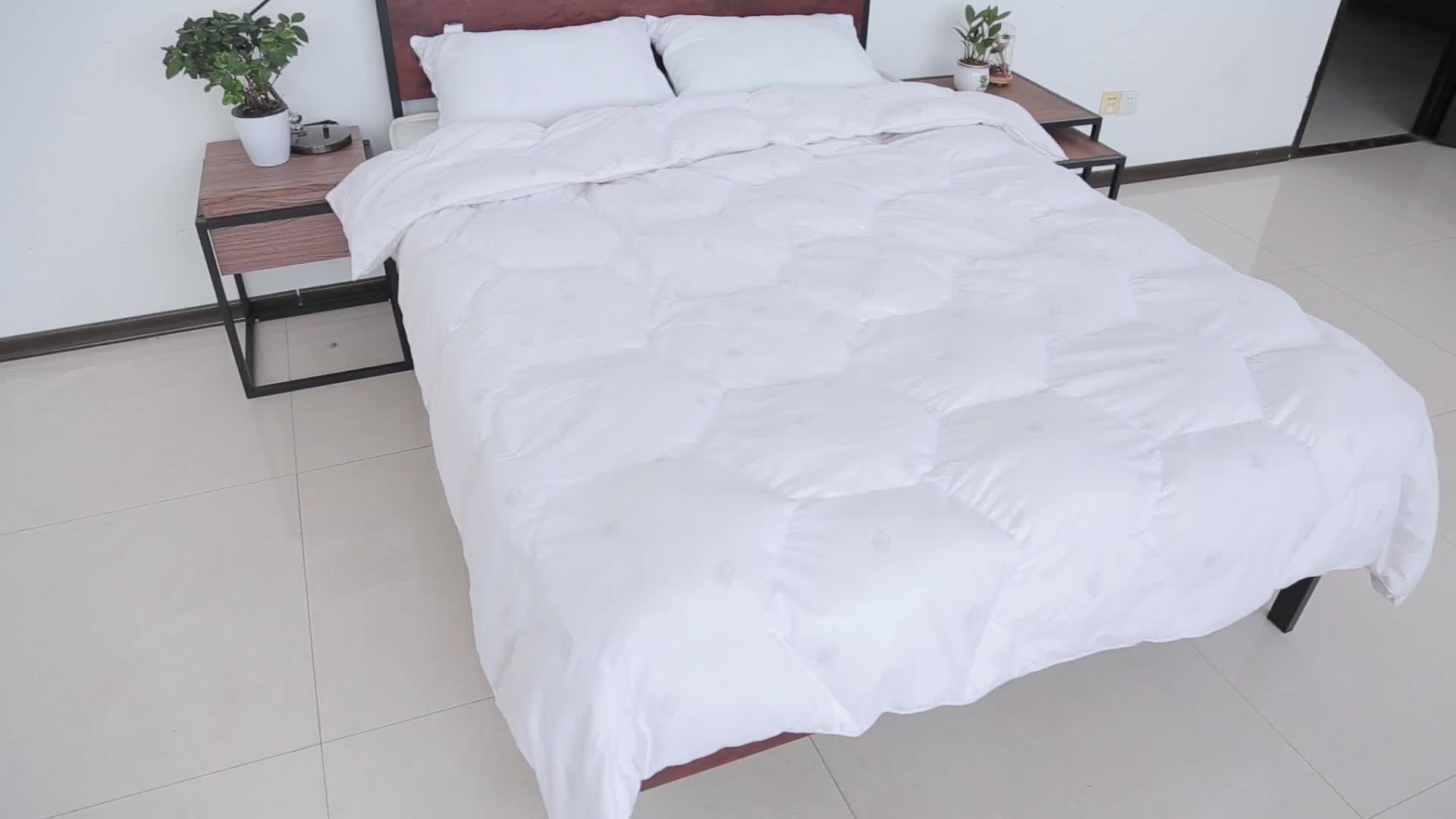 일반 가정용 가구 단단한 머리판 성인 튼튼한 판금 금속 프레임 나무 침대