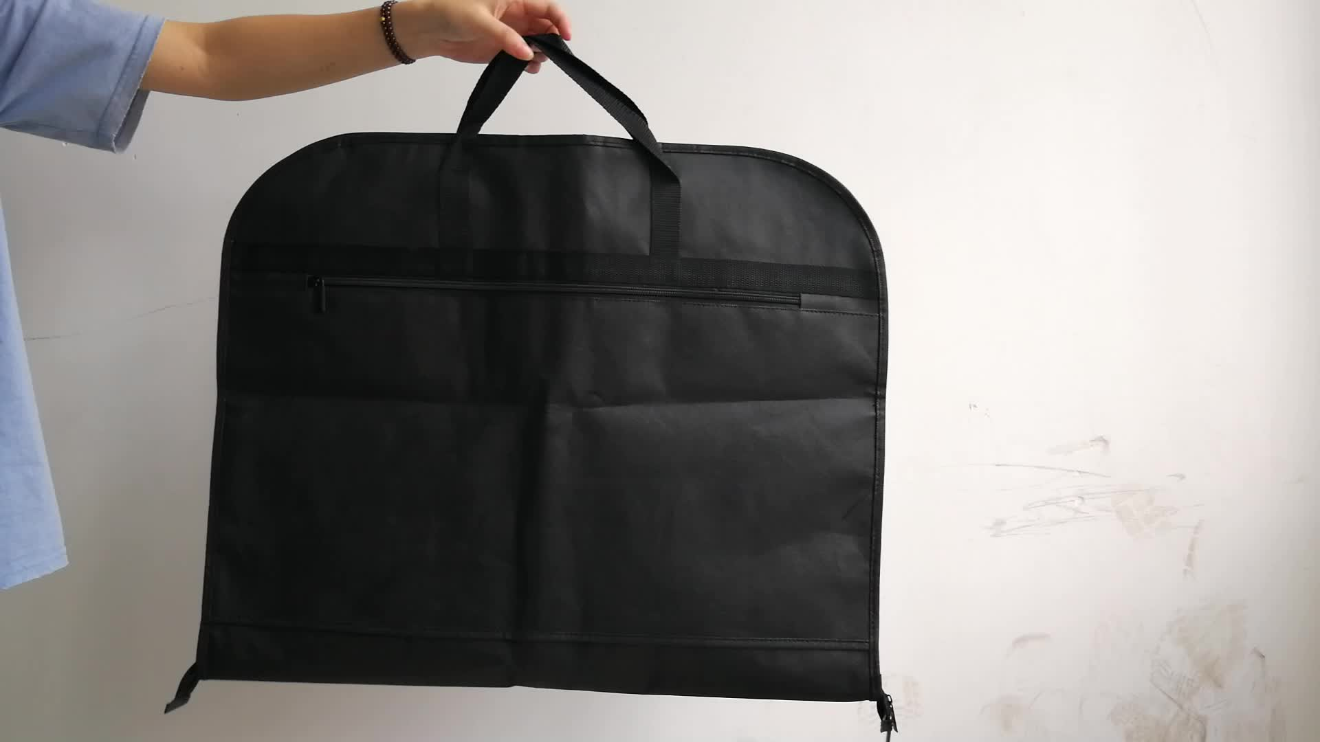 High Grade Nonwoven Folding Black Garment Suit Cover With Shoe Bag