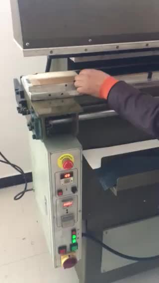 Plane heat embossing press machine for leather belt