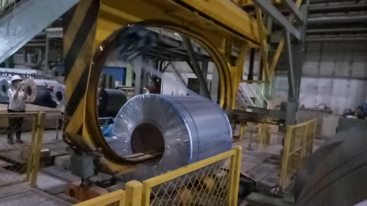 7-80um PE Wrapping Film / Stretch Film for Manual or Automated Packing, vertical coil stretch wrapping film