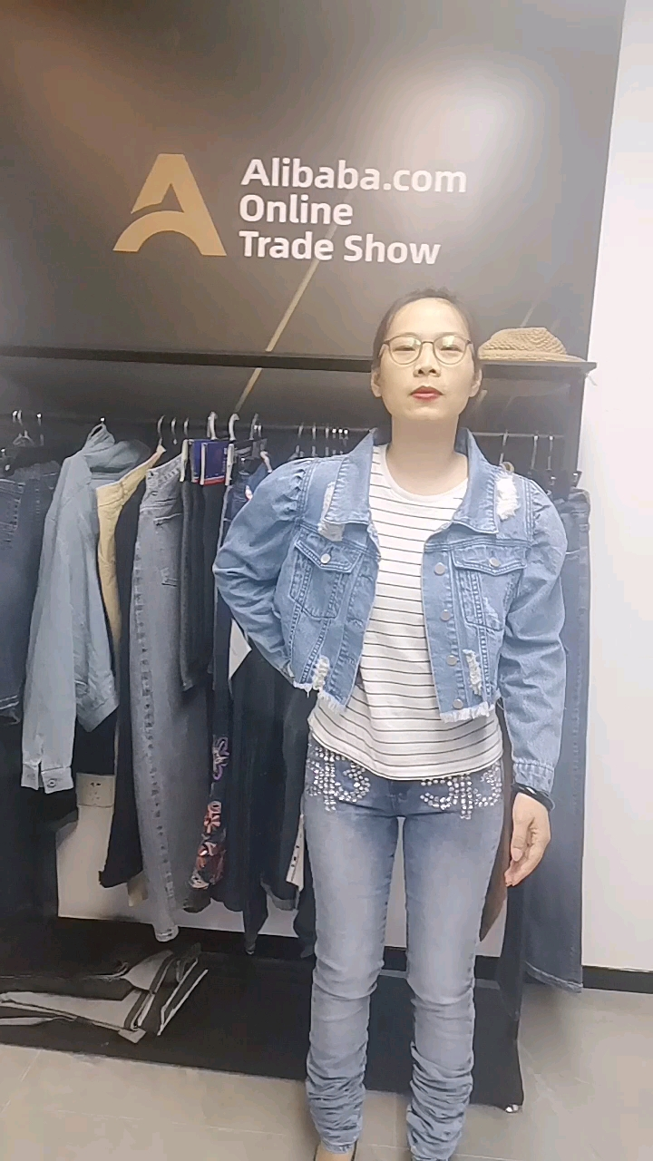 Customized women's puffy sleeves denim jacket for spring and Autumn