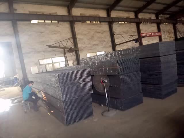 sheets of steel grating