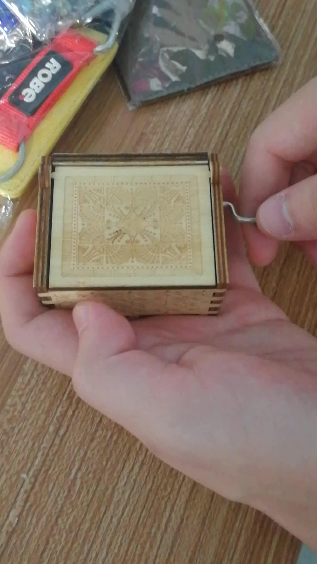 Custom Engraved Hand cranked wooden  H-P music box