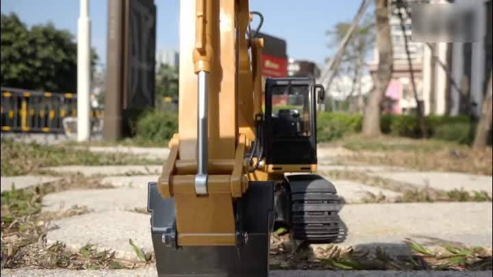 HuiNa Toys 1550 2.4Ghz 15CH Radio control excavator model 1/14 hydraulic excavator metal alloy truck RTR For kids