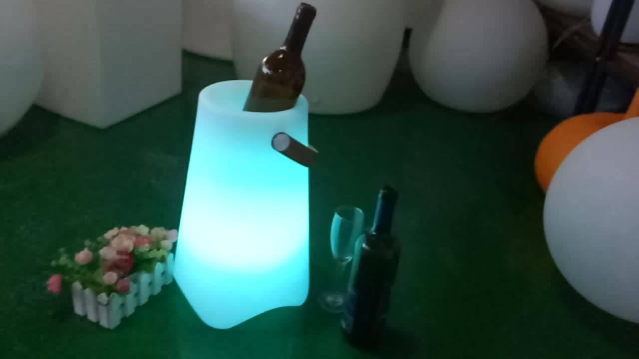 China Supply High Quality Color Changing Waterproof Led Ice Bucket with speaker