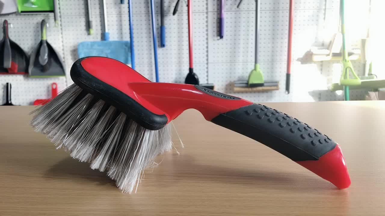 Autowaschbürste, Autoreifen-Rad-Reinigungsbürste und Autopflege, die Felgenbürste, Fahrrad-Reifenbürste detailliert