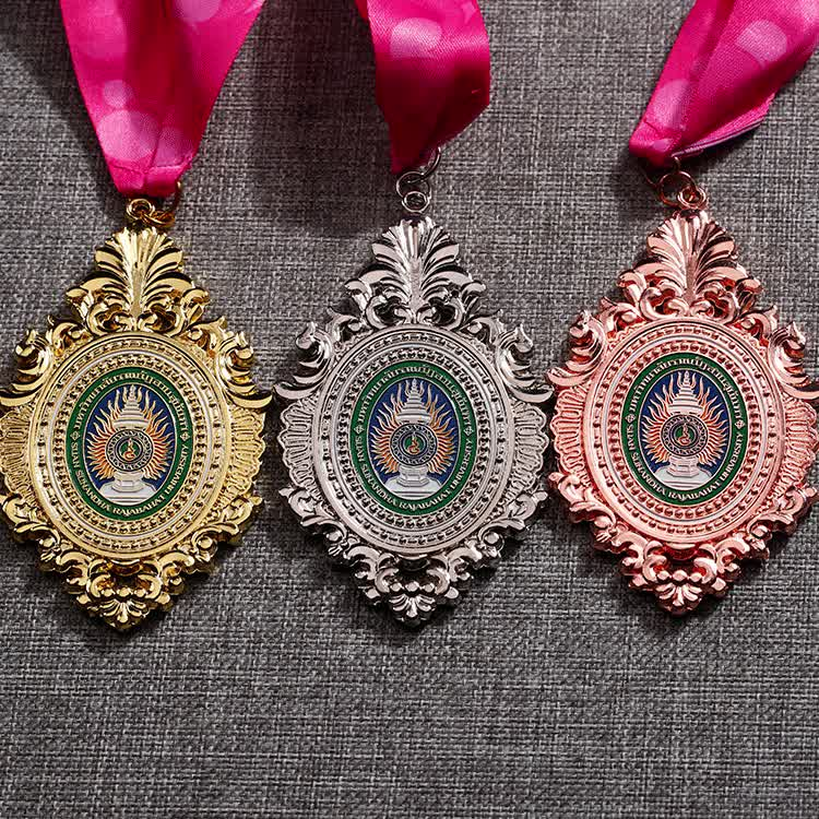 Shuanghua factory custom zinc alloy silver metal trophy medals with ribbon