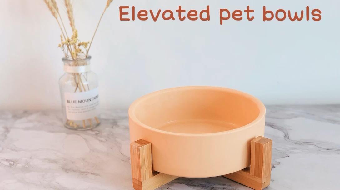 Оптовая продажа на заказ матированная повышенная миска для собак Нескользящая керамическая миска для домашних животных с деревянной подставкой
