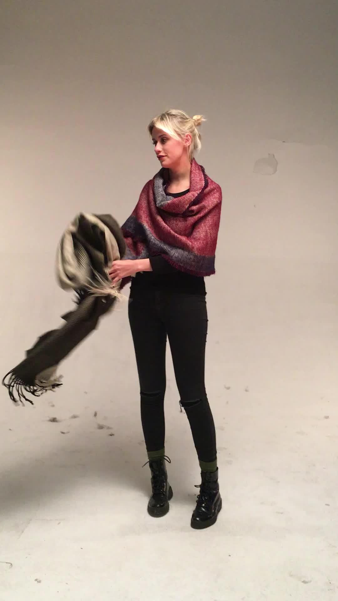 ผู้หญิงฤดูหนาวที่อบอุ่นผ้าพันคอแฟชั่นสียาว Pashmina คลาสสิกลาย Stole Shawl mohair ผ้าพันคอขนสัตว์