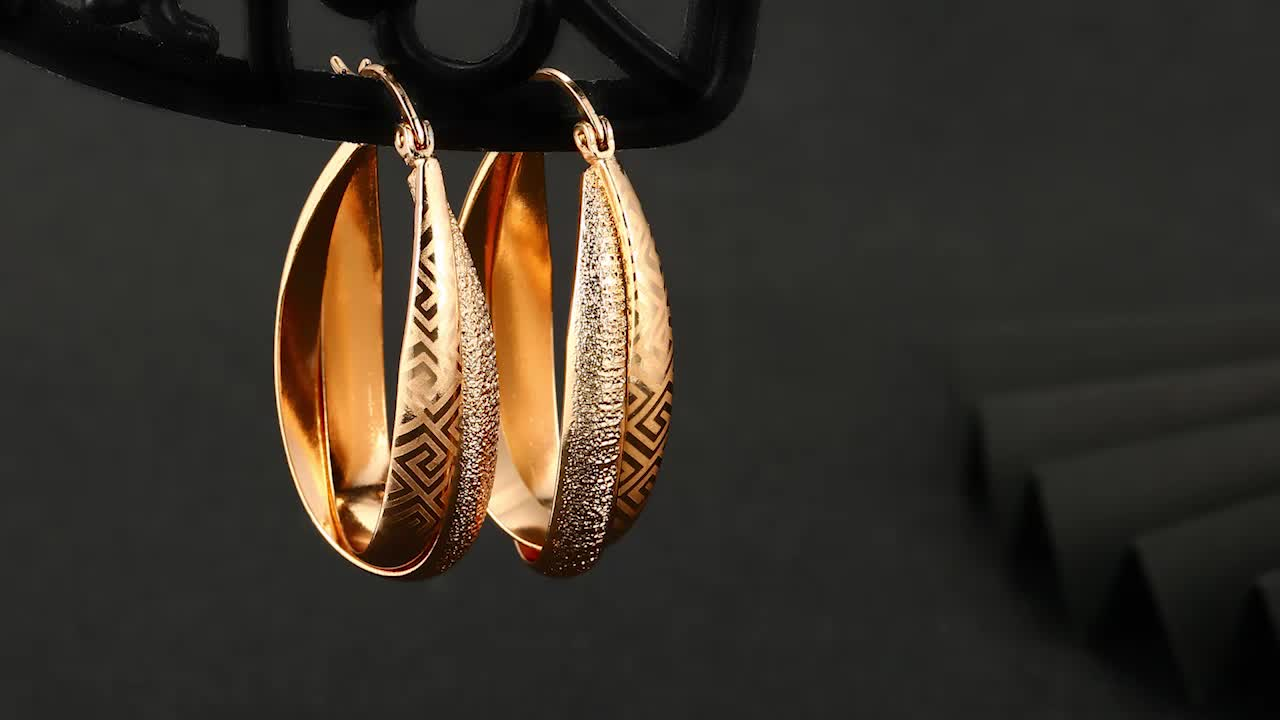 26838- Xuping Jewelry Fashion Hot Sale Woman Drop Earring With 18K Color