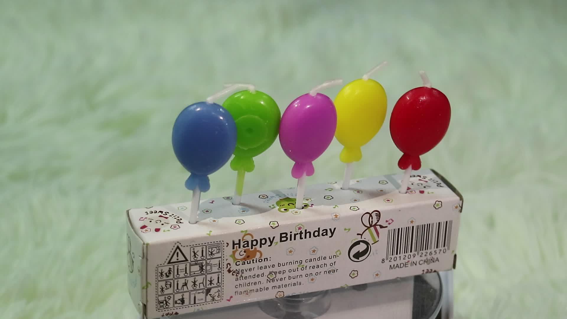 Linda menina bolo de feliz aniversário velas de arte