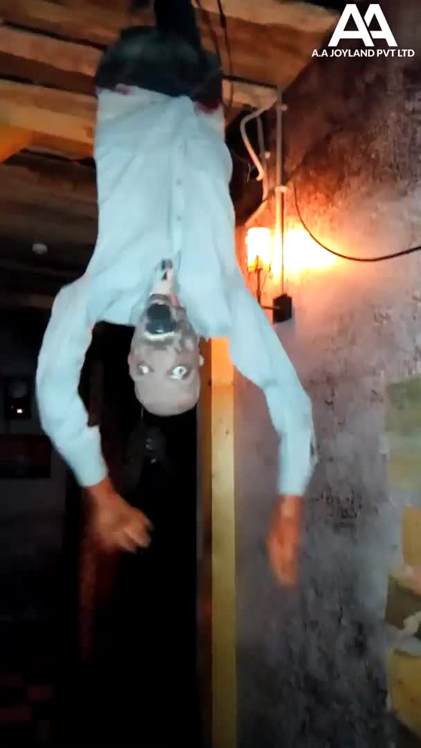 Pneumatic Haunted Props Sensor based Moving Scary Ceiling Stalker Body Horror Props /hanging halloween props