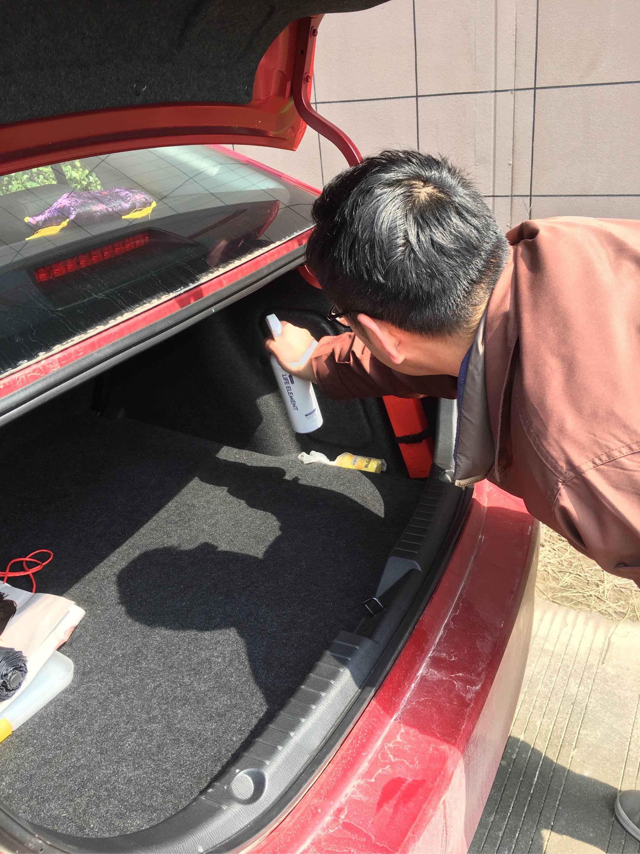 用LIFE ELEMENT新车除甲醛去味实测,效果明显