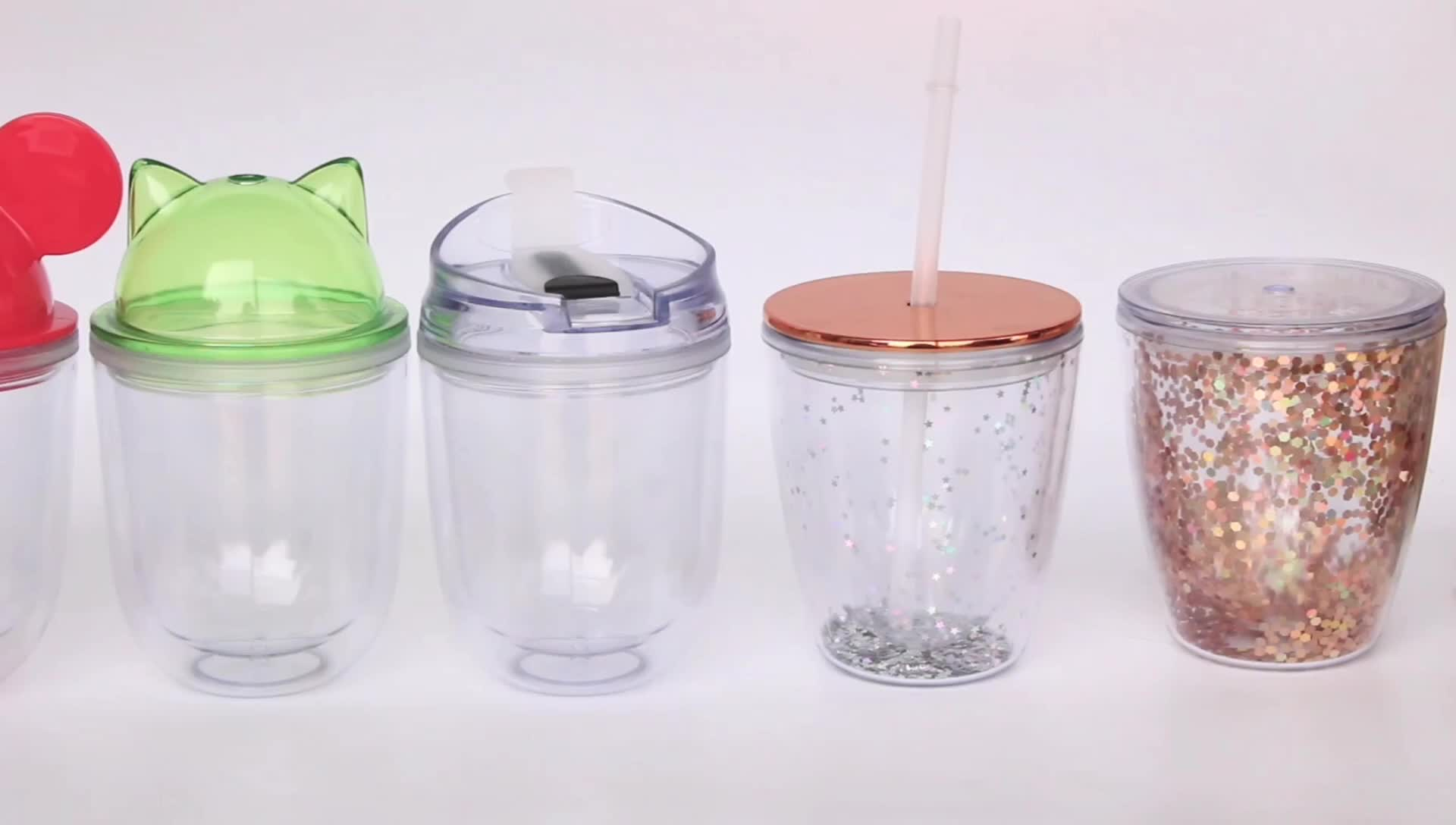 Plastic ice cup with gel insert for gift drinking