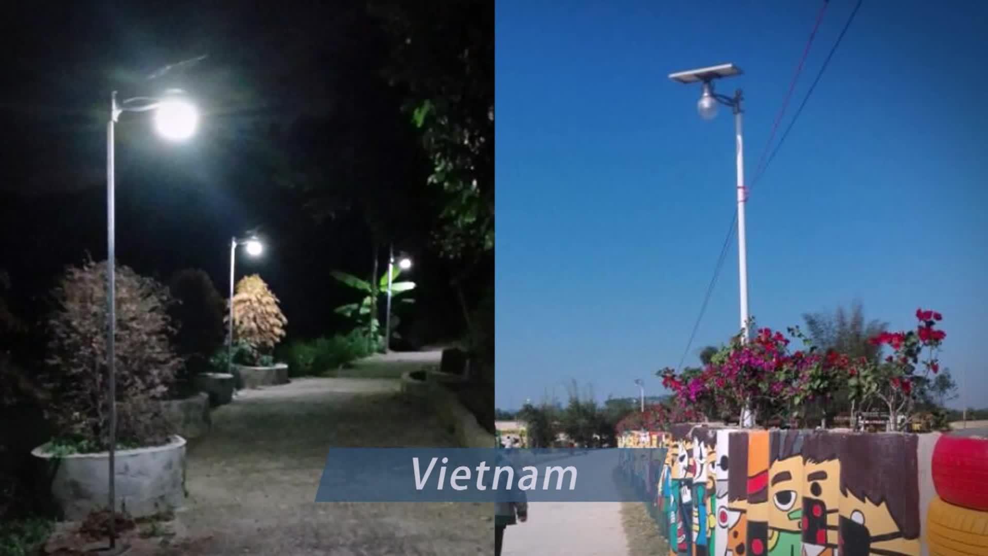 3.2V IP65 waterproof 2w 3w 4w decorative solar outdoor fence post light solar led garden pillar light outdoor