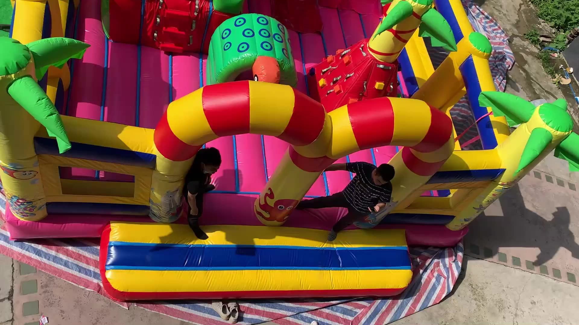 Factory direct sales customize large PVC inflatable entertainment castle slide inflatable fun city for kids and adult