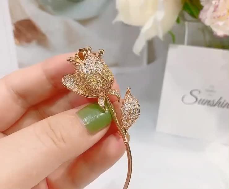 Huilin Jewelry Korean High-end Elegant Accessories Wholesale Rose Flower Zircon Brooch Women's Sweater Copper Brooch Pin Gifts
