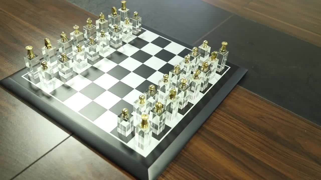 Luxury Crystal Chess Piano paint wooden chess board with Deluxe crystal chess pieces
