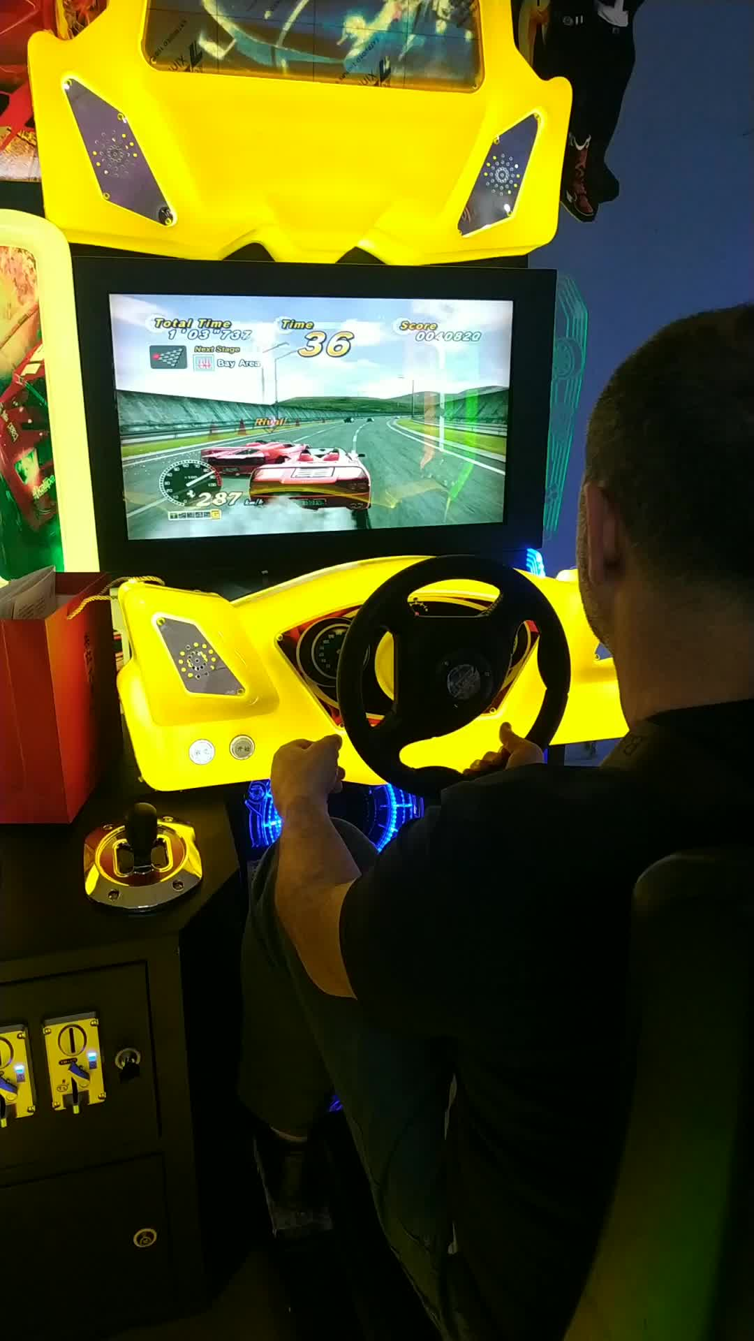 Luxury ที่นั่งคู่ผู้ใหญ่อาเขต outrun ความเร็ว drift จำลองรถแข่งเกมเครื่อง
