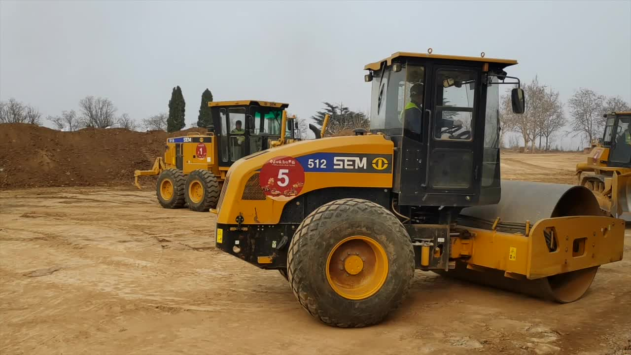 SEM922AWD 220HP Motor Grader All Wheel Drive for Leveling, Road Building and Construction Site