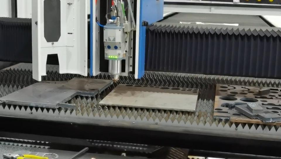Prix de machine de découpe laser | En acier inoxydable/aluminium/fer/herbe/métal fibre 700w