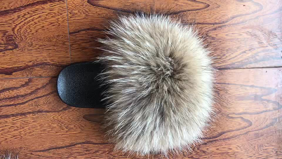 Wholesale More Fluffy Raccoon Fur Slides Slippers for Women