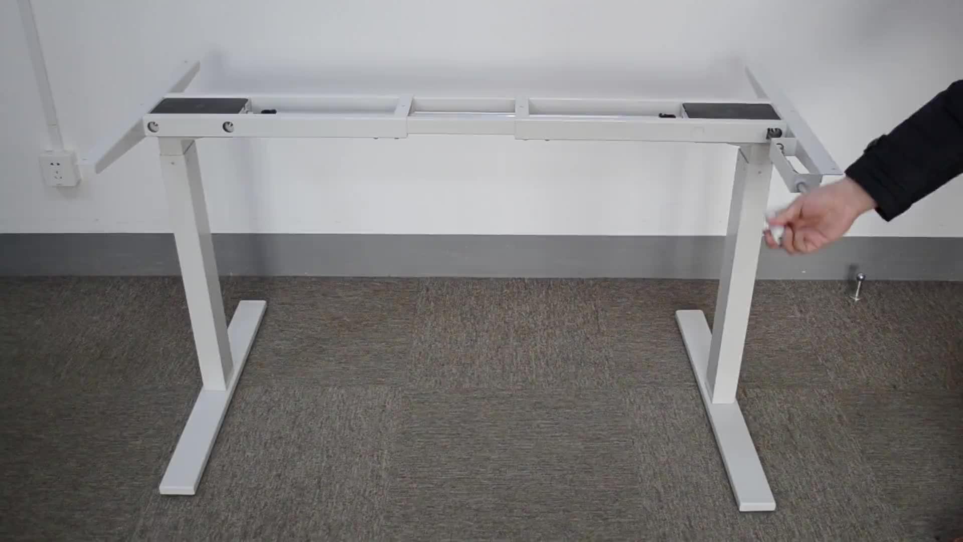 Precio al por mayor Oficina Escritorio de pie manual metal piernas columna de elevación manual