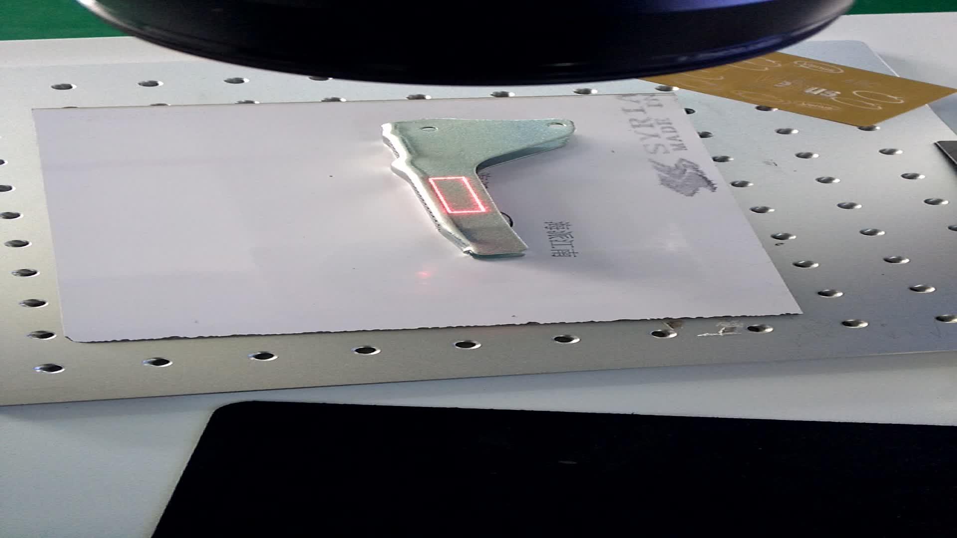 Carton/giấy bao bì y pill trường hợp thời gian ngày in ấn Kim Loại Laser Sợi Quang Học Máy Đánh Dấu cho Mang